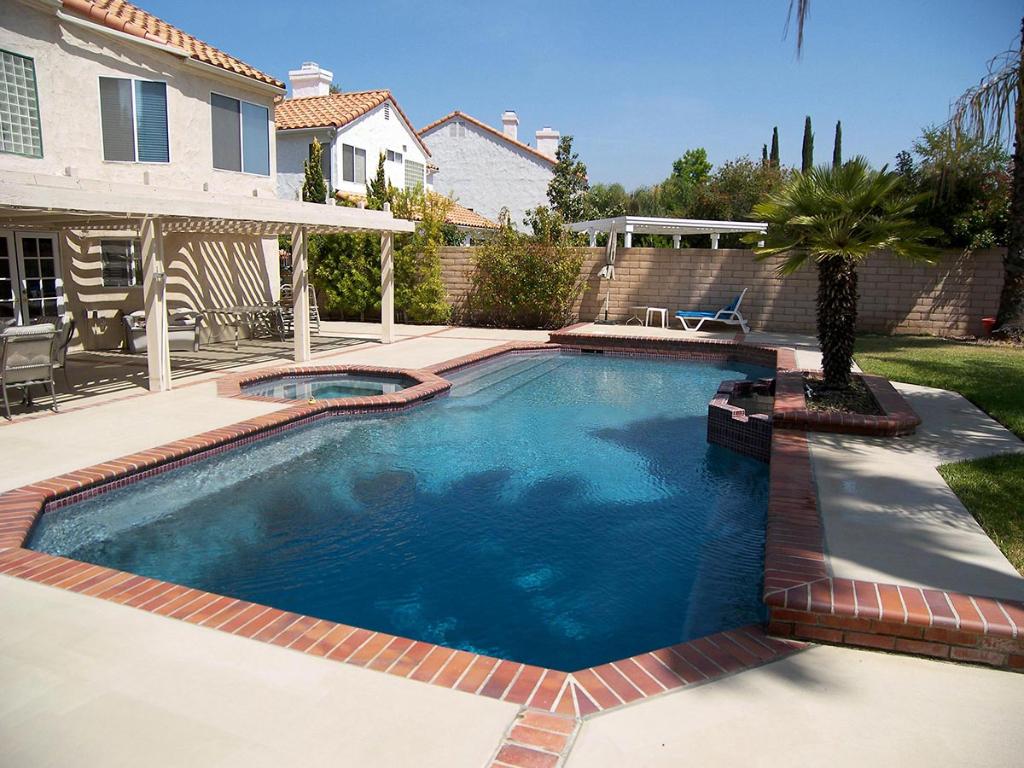 Interior Surfaces - Jeff Kerber Pool Plastering - Swimming ...